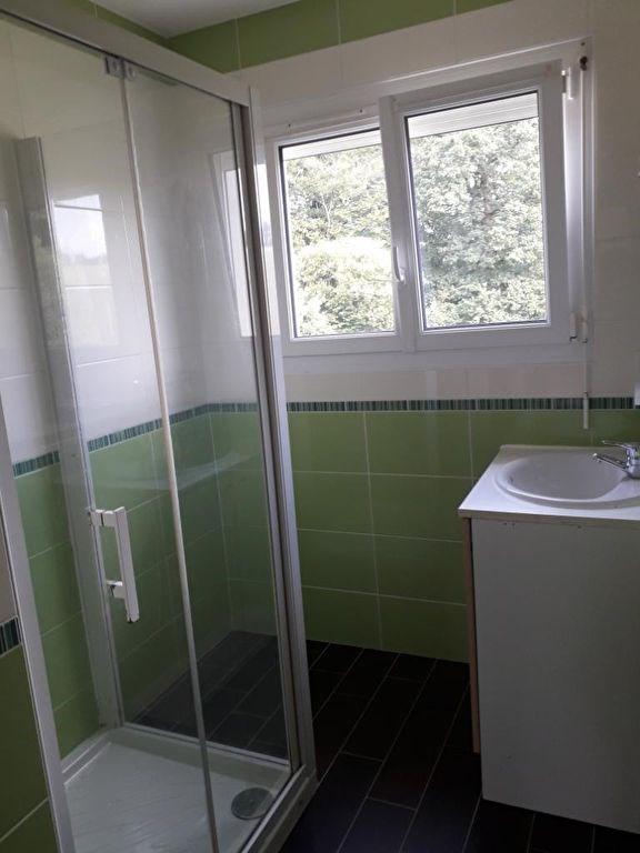 Location maison / villa Querrien 590€ CC - Photo 6