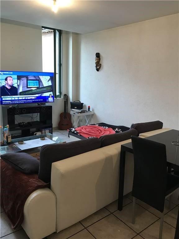 Location appartement Villefranche-de-rouergue 315€ CC - Photo 1