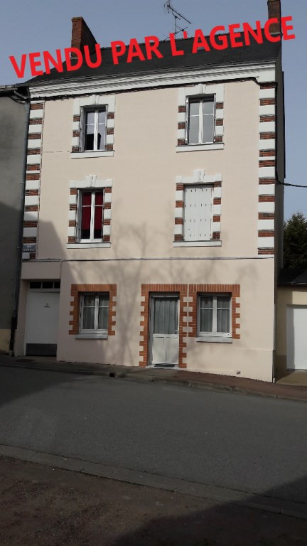 Sale building Renaze 176 630€ - Picture 1