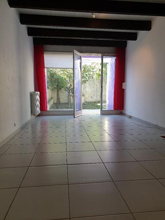 Location maison / villa Marseille 920€ CC - Photo 2