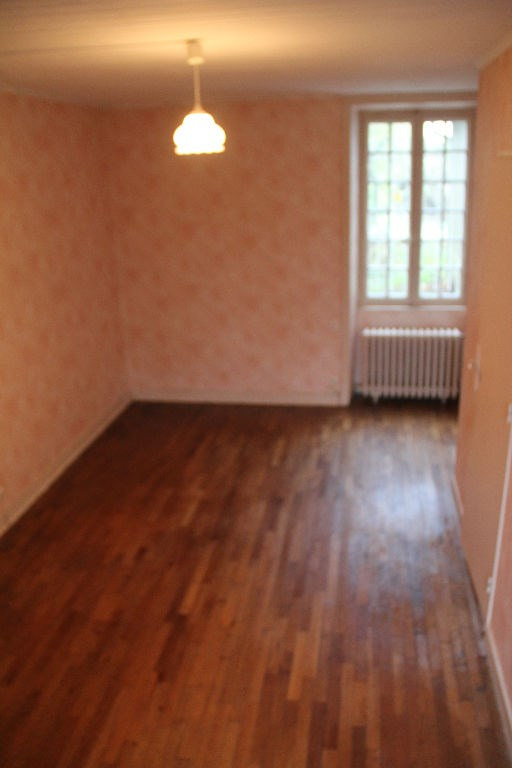 Sale house / villa Le bourgneuf la foret 74000€ - Picture 6