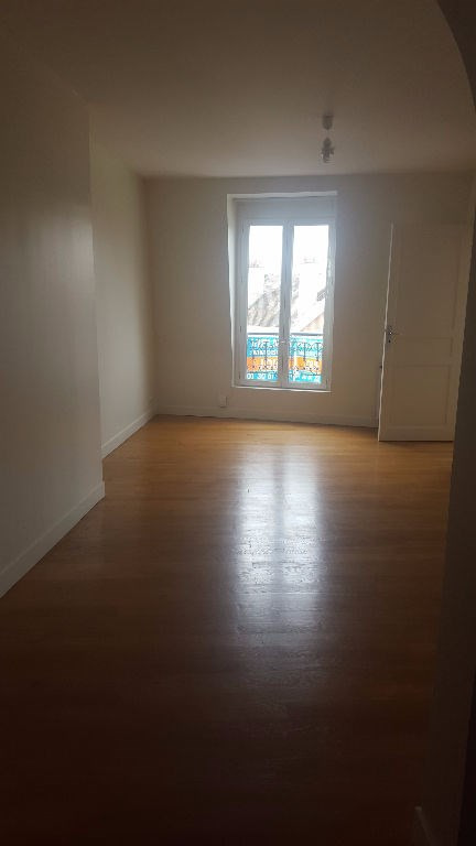 Rental apartment Saint germain en laye 890€ CC - Picture 1