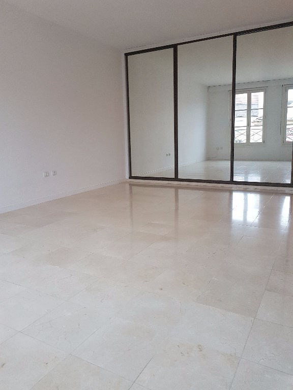 Rental apartment St germain en laye 1110€ CC - Picture 2