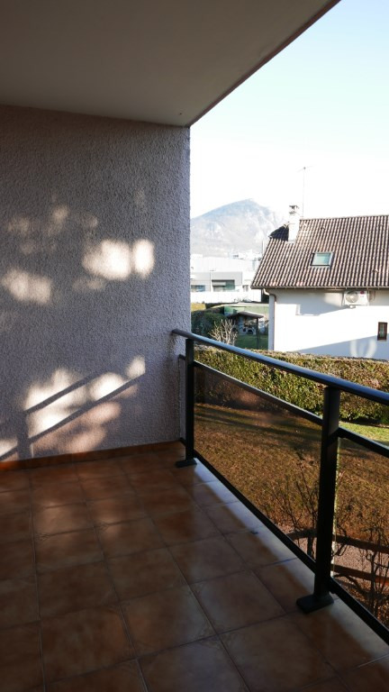 Sale apartment Annecy 230 000€ - Picture 2