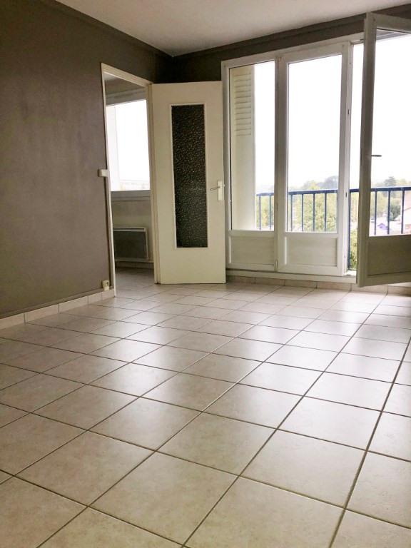 Rental apartment Bourgoin jallieu 650€ CC - Picture 3