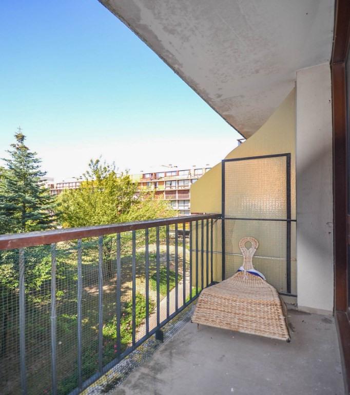 Sale apartment Fontenay le fleury 106000€ - Picture 2