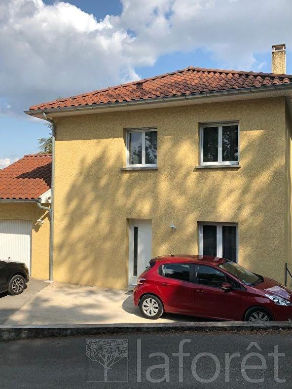 Location maison / villa Bourgoin jallieu 920€ CC - Photo 1