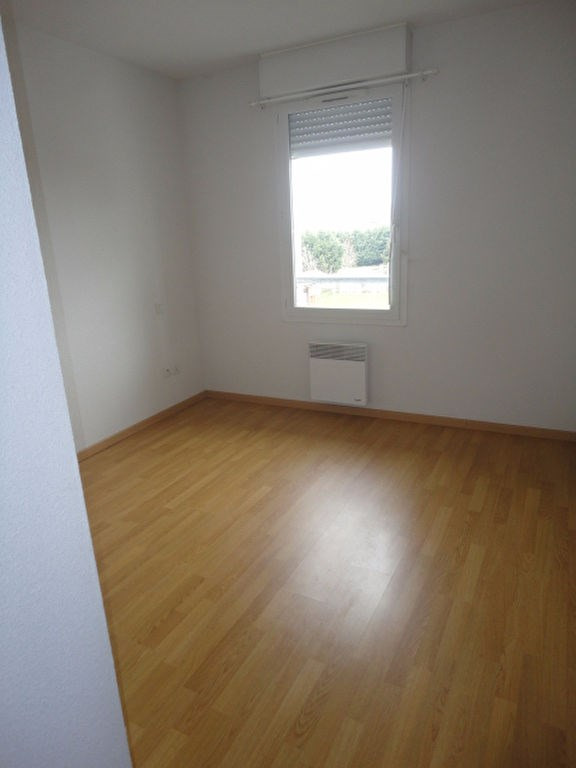 Rental apartment Aire sur l adour 473€ CC - Picture 4