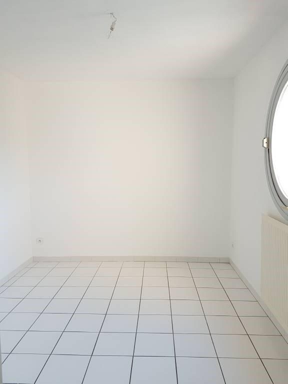 Alquiler  apartamento Villeneuve-les-avignon 800€ CC - Fotografía 8