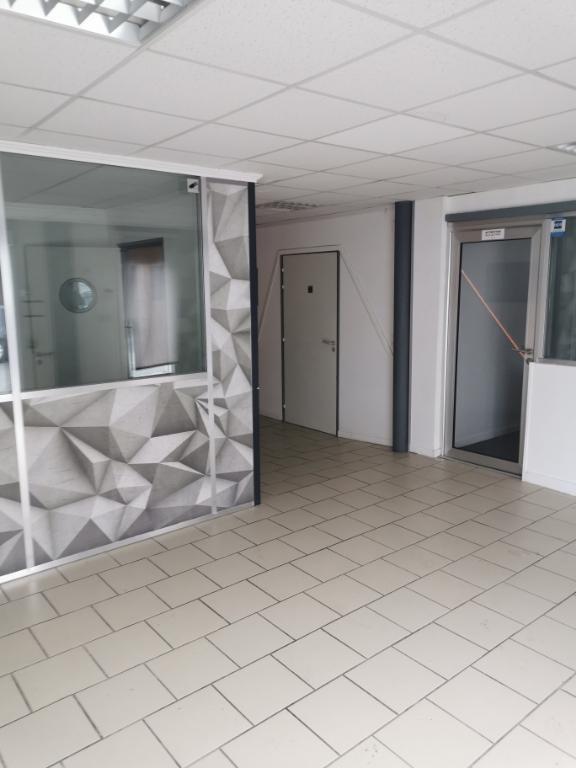 Rental empty room/storage Rochefort 1400€ HC - Picture 4