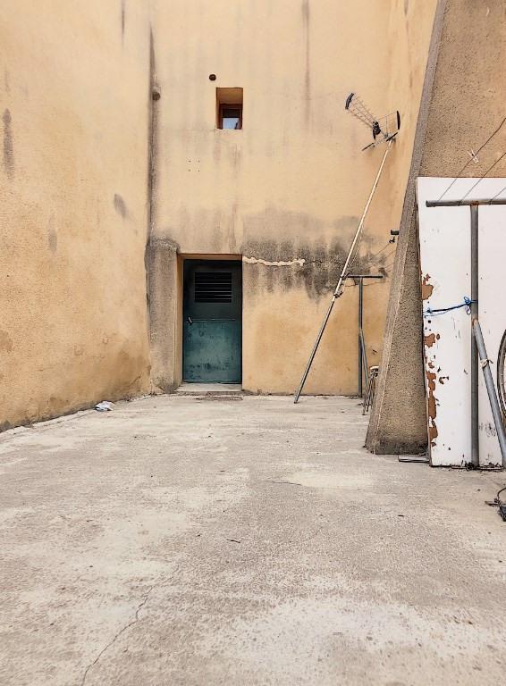 Verkoop  flatgebouwen Chateaurenard 330000€ - Foto 3