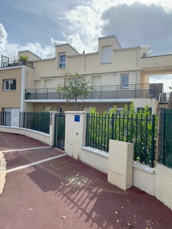 Rental apartment Maisons laffitte 854€ CC - Picture 1