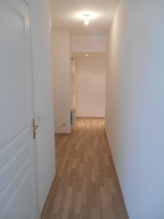Rental apartment Saint quentin 625€ CC - Picture 7