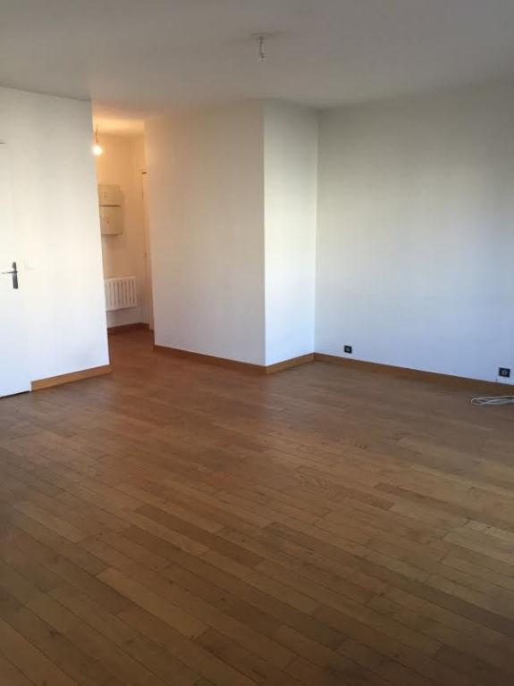 Rental apartment Issy les moulineaux 1274€ CC - Picture 7