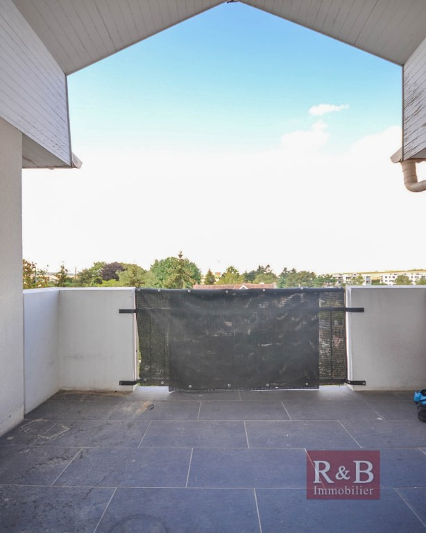 Sale apartment Plaisir 170 000€ - Picture 3
