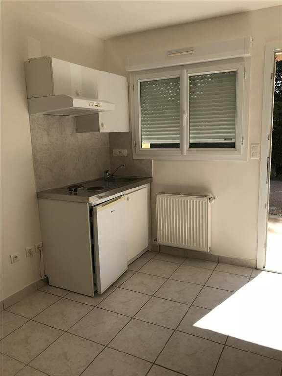 Location appartement Sebazac 245€ CC - Photo 3