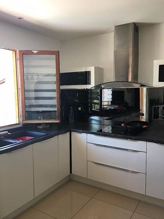 Sale house / villa L isle d'abeau 294000€ - Picture 5