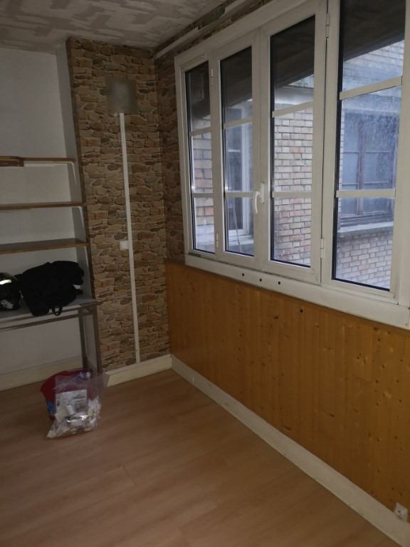 STUDIO Saint ouen - 1 pièce (s) - 0 m²