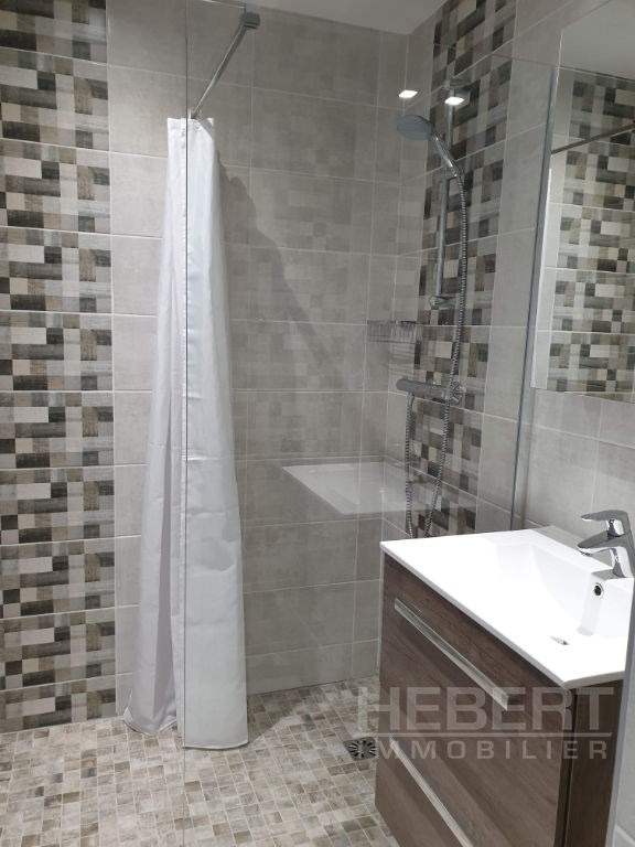 Location appartement Sallanches 990€ CC - Photo 7