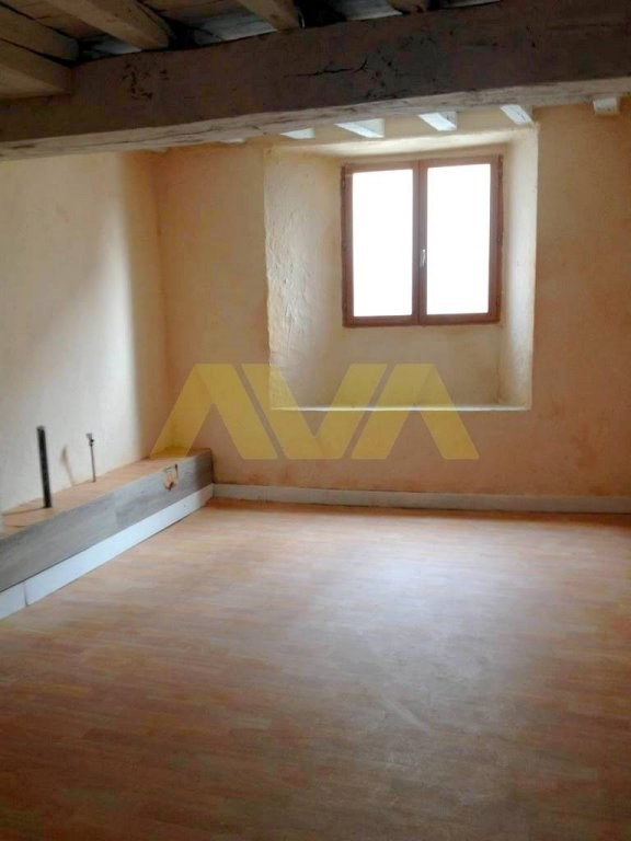 Sale house / villa Oloron-sainte-marie 91 000€ - Picture 3