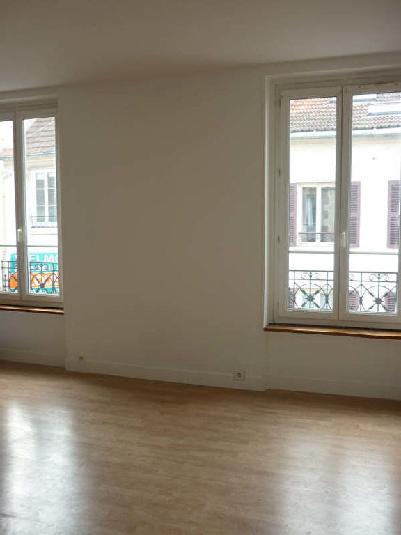 Rental apartment St germain en laye 1 100€ CC - Picture 1