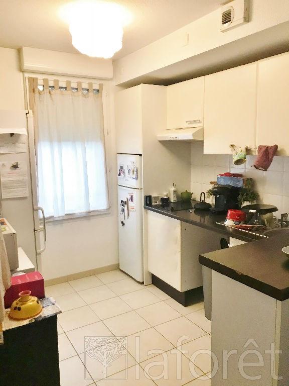 Investment property apartment La verpilliere 139750€ - Picture 2