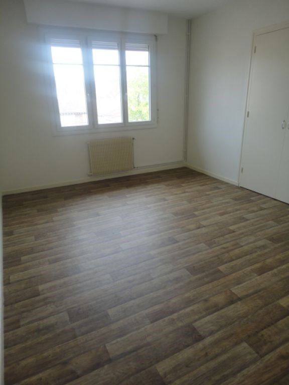 Location appartement Aire sur l adour 476€ CC - Photo 2