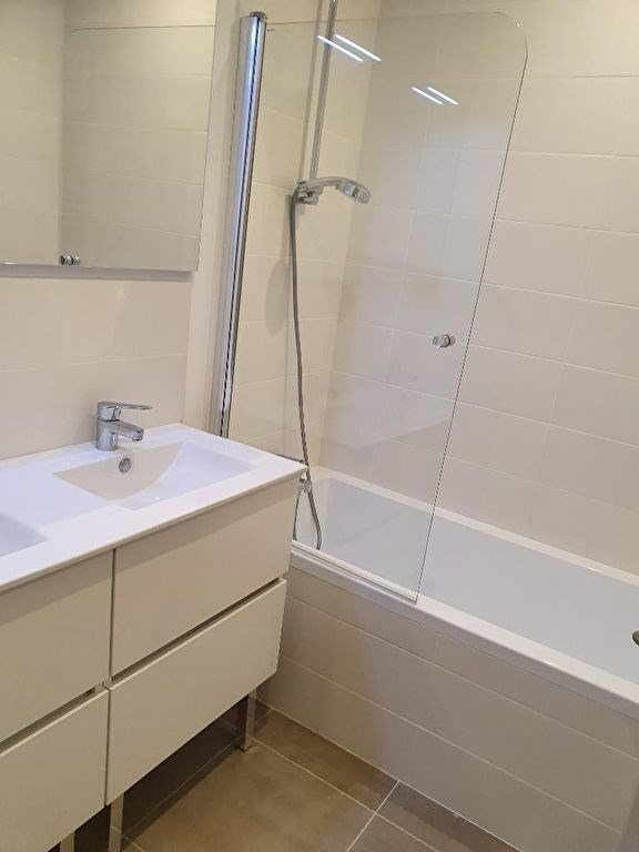Rental apartment Meyrargues 920€ CC - Picture 8