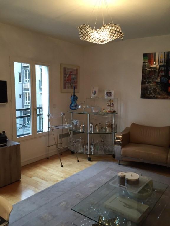Rental apartment Paris 6ème 3140€ CC - Picture 3