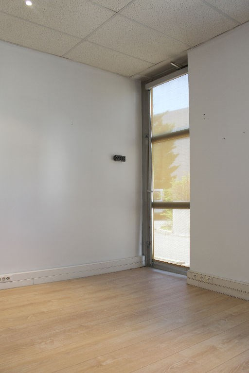 Rental office Aix en provence 800€ HC - Picture 4