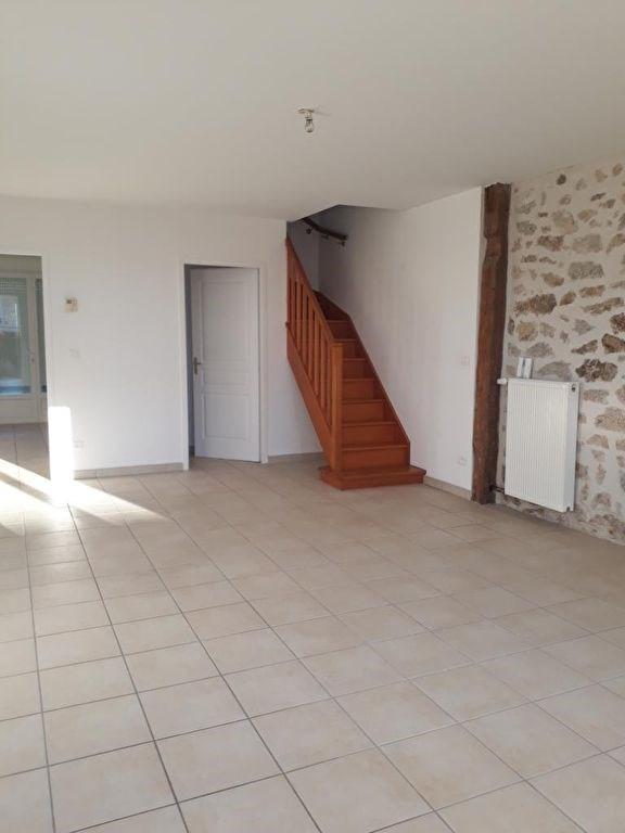 Location maison / villa Oradour sur glane 580€ CC - Photo 3