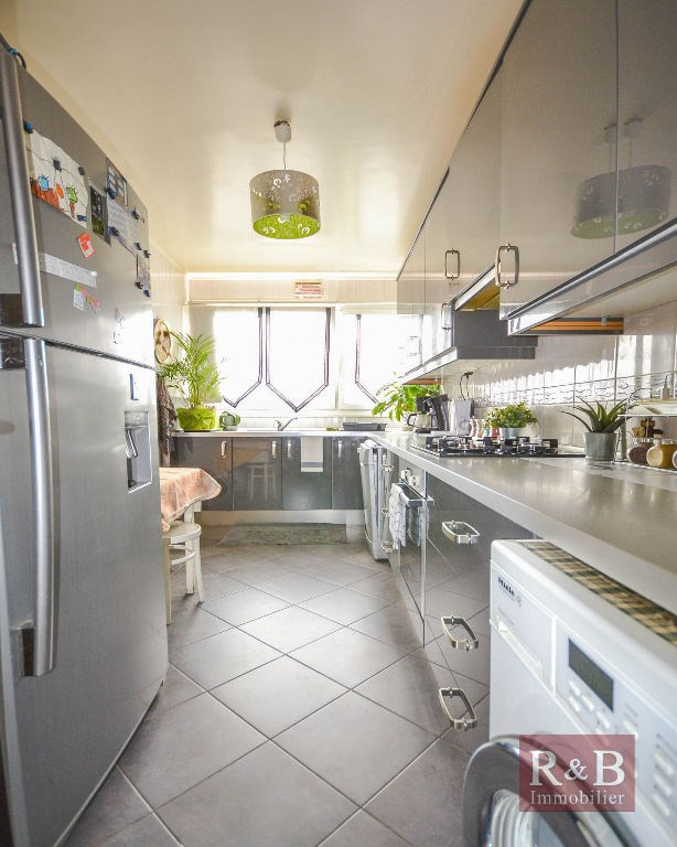 Sale apartment Plaisir 199 000€ - Picture 2