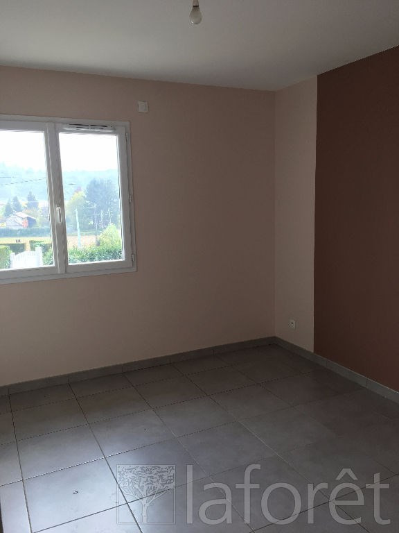 Location maison / villa Bourgoin jallieu 950€ CC - Photo 5