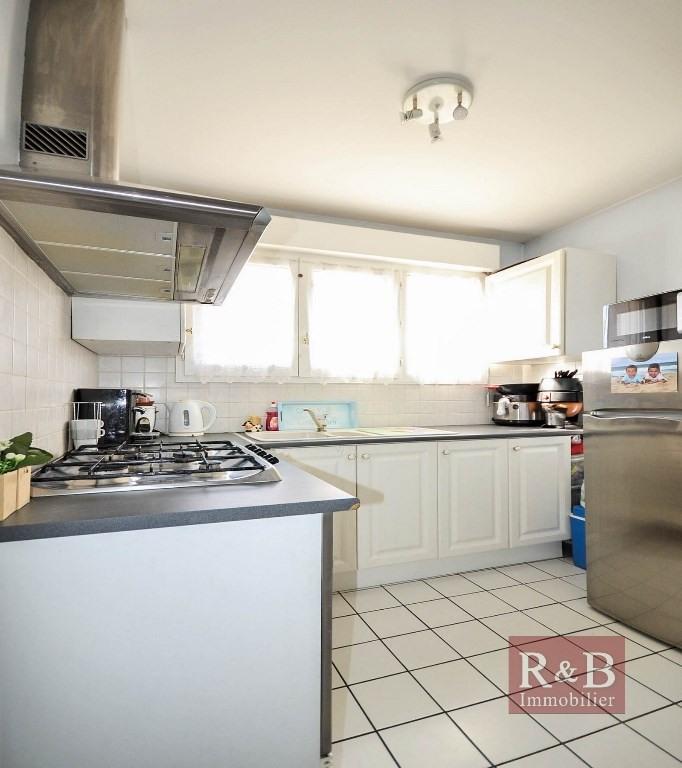 Sale apartment Plaisir 180000€ - Picture 4