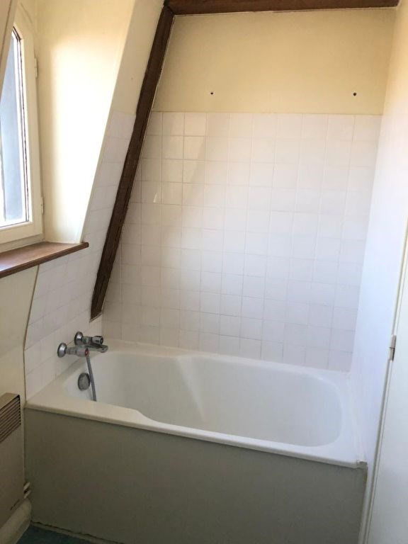 Rental apartment Saint germain en laye 830€ CC - Picture 4