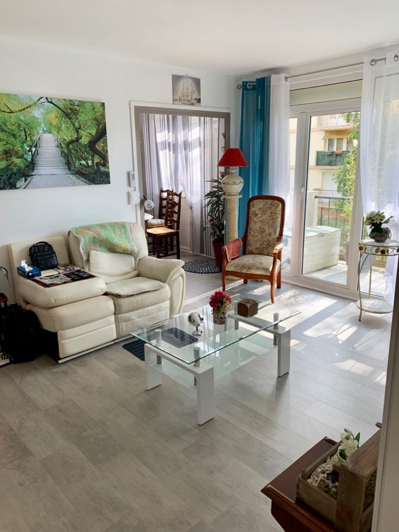 Sale apartment Mont saint aignan 110000€ - Picture 2