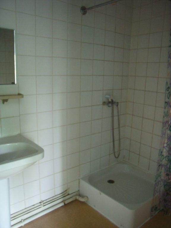 Rental apartment Meslay du maine 264€ CC - Picture 3