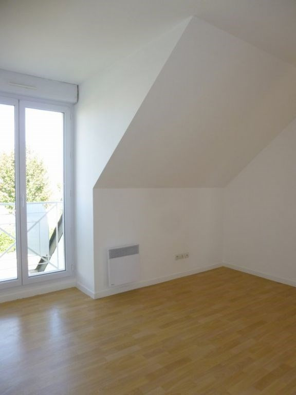 Location maison / villa Grentheville 762€ CC - Photo 8