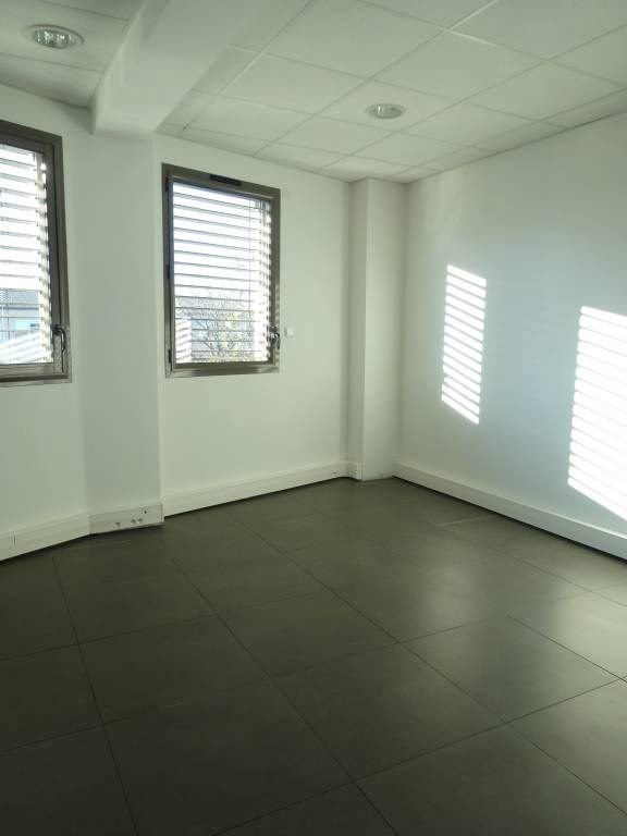Sale office Avignon 140 400€ - Picture 1