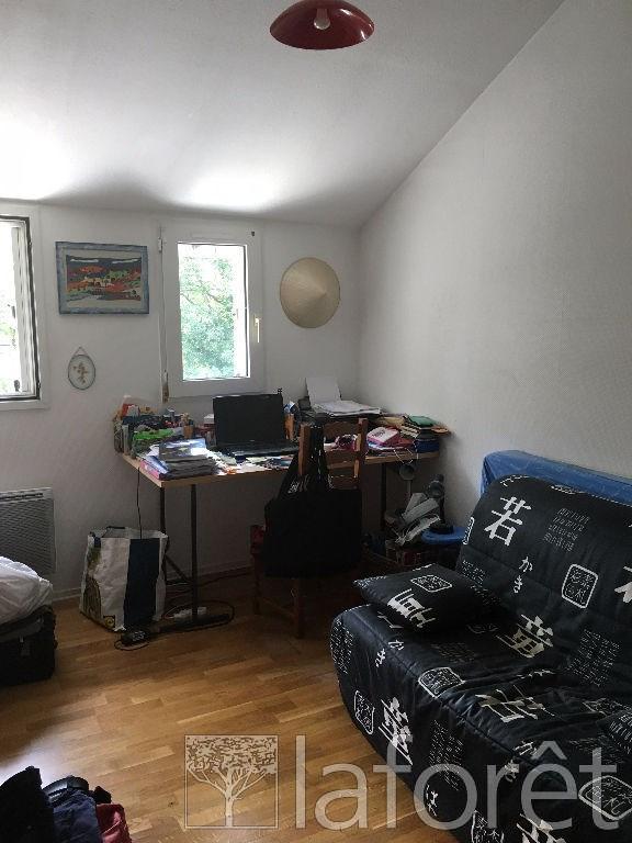 Sale house / villa L isle d'abeau 164000€ - Picture 7