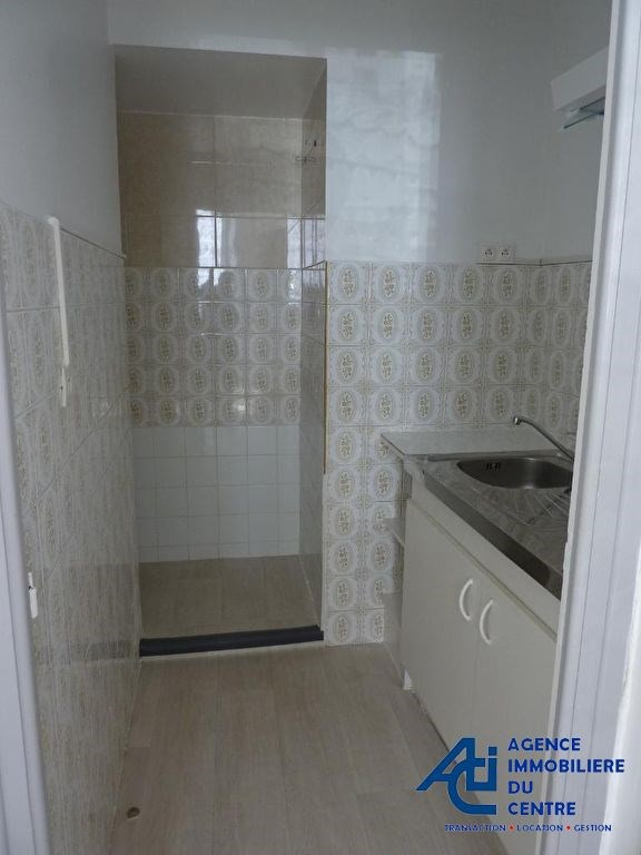 Rental apartment Pontivy 346€ CC - Picture 1