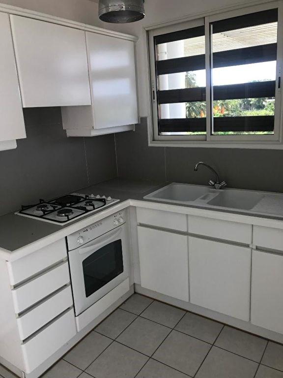Rental apartment Le gosier 650€ CC - Picture 2