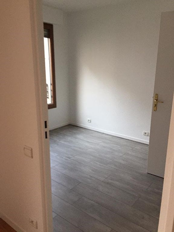 Location appartement Levallois perret 1165€ CC - Photo 3