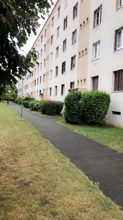 Rental apartment Poissy 900€ CC - Picture 1
