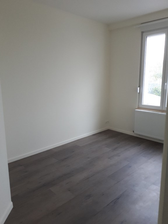 Location appartement Saint quentin 530€ CC - Photo 4