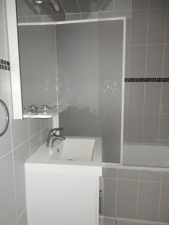 Verkoop  appartement Vienne 124000€ - Foto 7