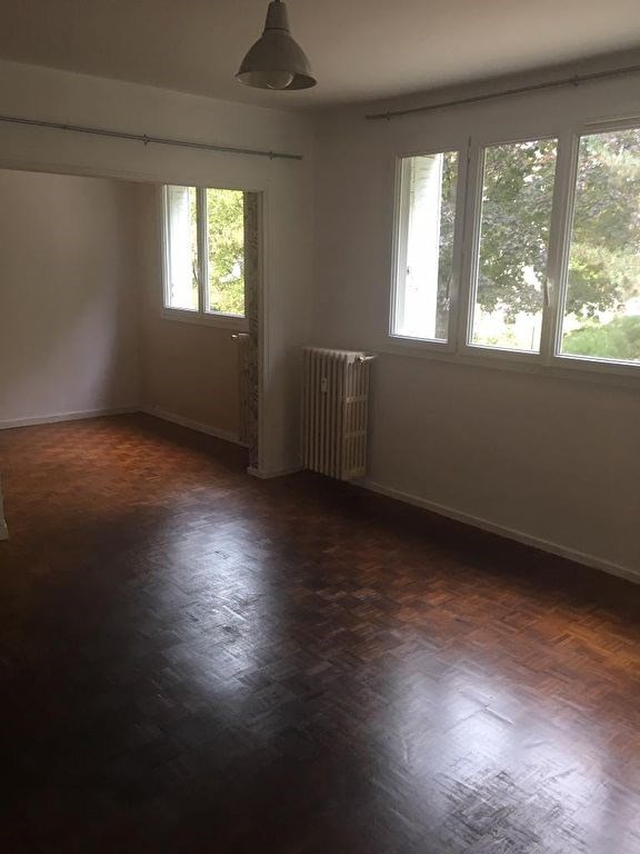 Location appartement Montfort-l'amaury 940€ CC - Photo 3