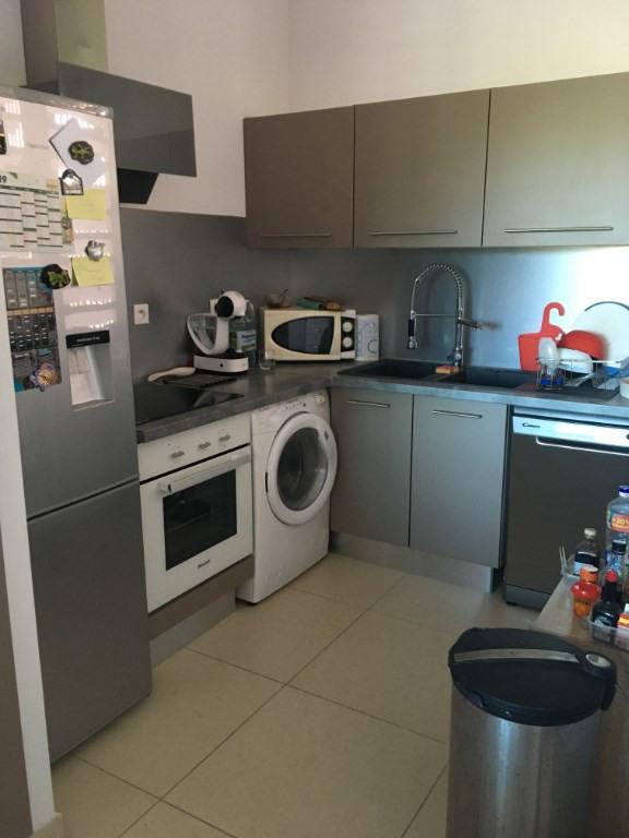 Rental apartment Saint gilles les bains 757€ CC - Picture 2