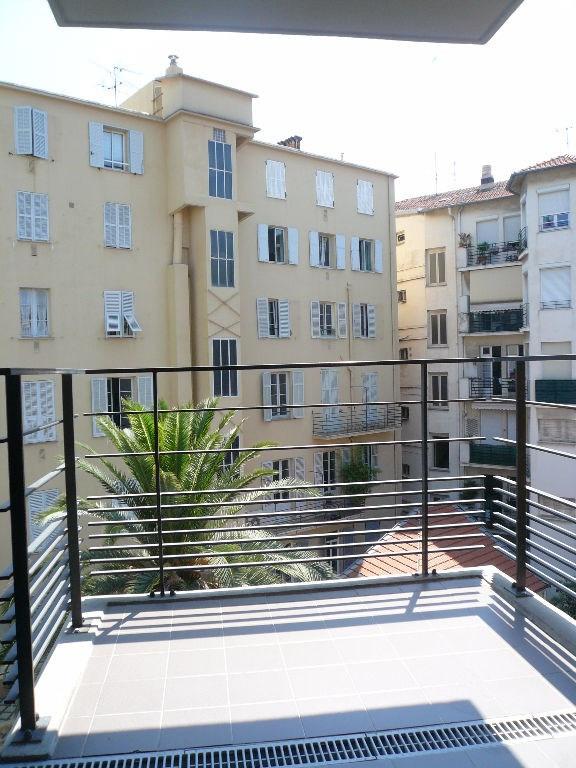 Location appartement Nice 1250€ CC - Photo 1