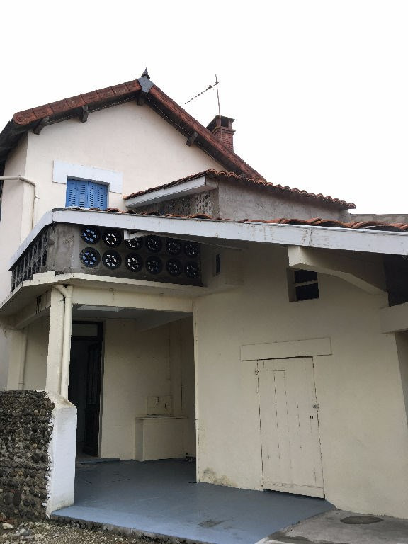 Sale house / villa Riscle 87000€ - Picture 1